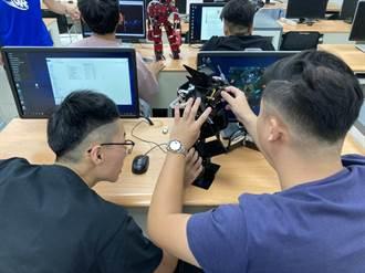 華夏機器人暑期戰鬥營開戰 大小朋友樂開懷