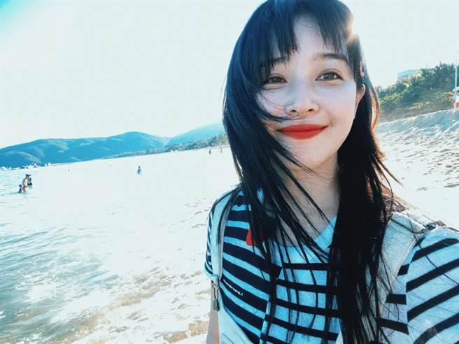 大陸女星阚清子外型清純,個性耿直重義氣。(取自阚清子微博)
