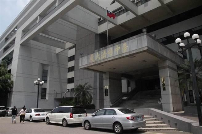 台中市南區2年前發生王姓牙醫在診所遭人持刀殺死,2名護理師重傷送醫,最後2審維持1審仍判無期徒刑。(本報資料照片)