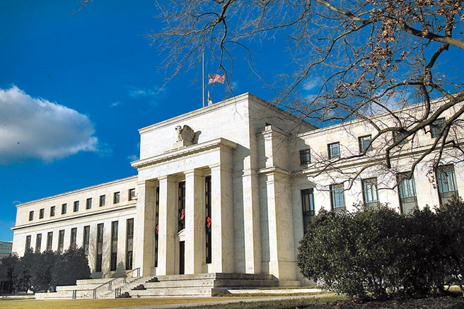 Fed官員預期美國經濟若要從疫情衝擊中復元,還需更多刺激工具支持。圖/美聯社