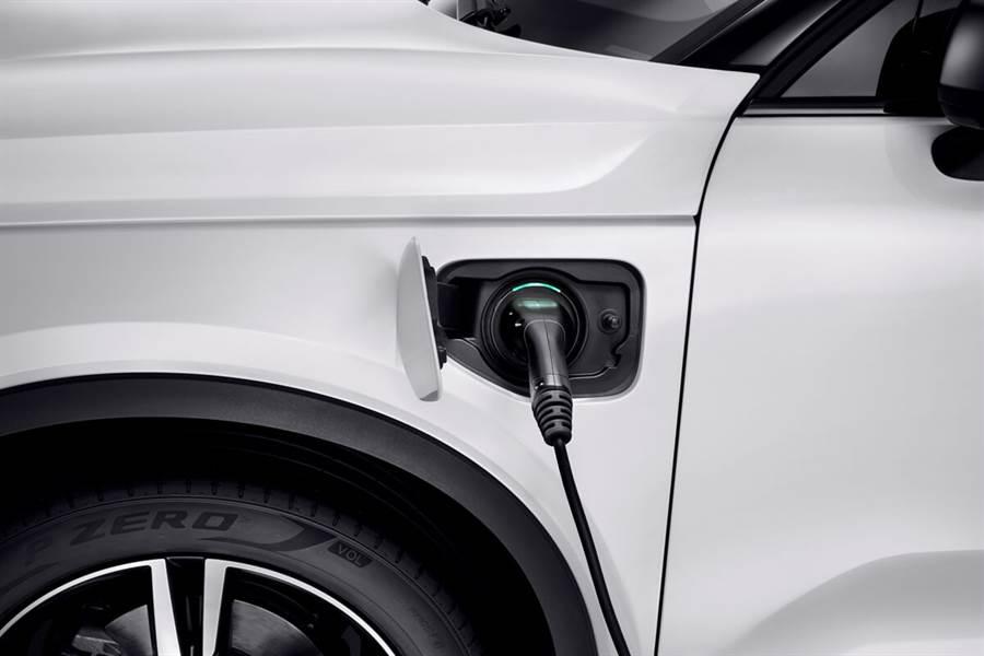 Volvo推出第二款混合動力XC40 Recharge Plug-in Hybrid T4以及B4/B5輕度混合動力規格