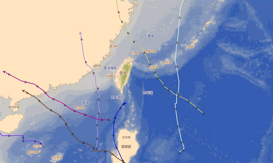 今年7颱路徑佛心,全部從台灣旁邊繞過去。(中央氣象局提供)