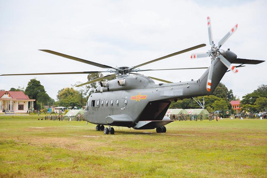 解放軍陸軍直-8G新型加改裝救護直升機。(新華社資料照片)