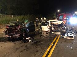 桃園深夜車禍5傷 跨雙黃線撞向車 肇事駕駛:忘記怎開的