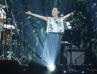 劉若英父親17日過世〈夏夜晚風〉哽咽憶父女情