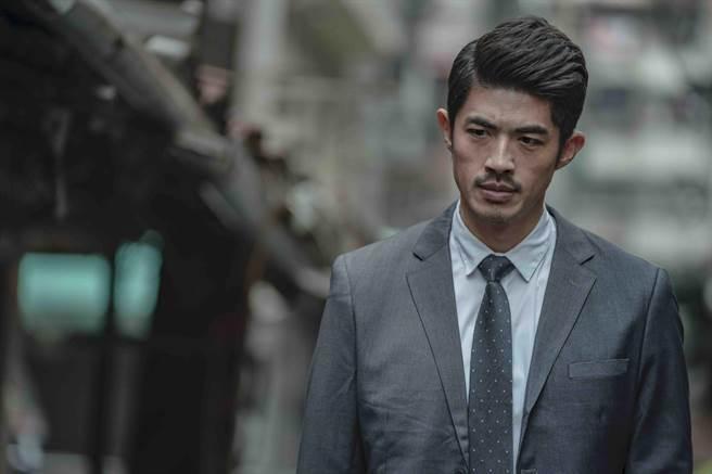 梁正群飾演楊陳傑。(LINE TV提供)
