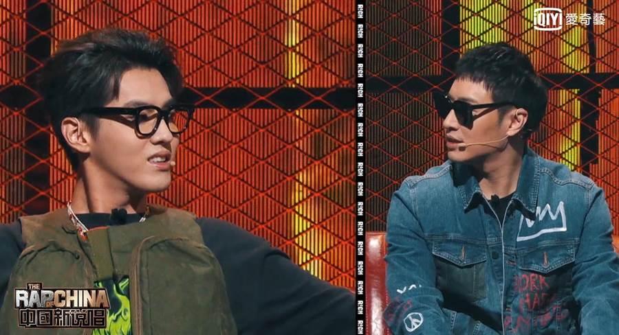 潘瑋柏(右)吳亦凡為搶人才友誼決裂。(愛奇藝台灣站提供)