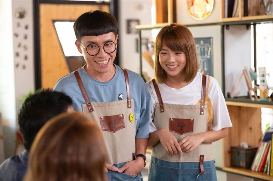 游小白(左)、王上菲(右)演出《女力報到-正好愛上你》。(TVBS提供)