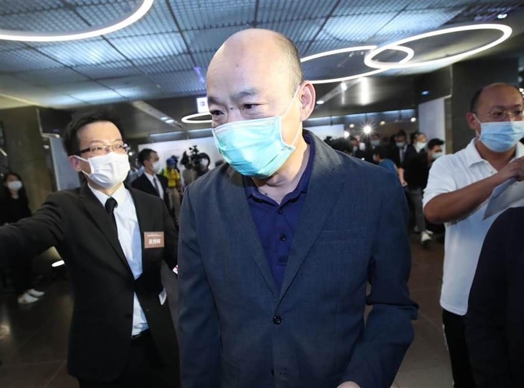 前高雄市長韓國瑜23日出席永遠的郝柏村追思紀念會,未發表意見,默默走進會場。(鄭任南攝)