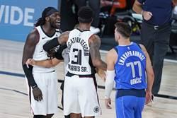 NBA》哈瑞爾辱罵東契奇 球迷請願重罰