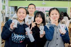 新北市展現技職教育成果 學生金工作品躍升國際舞臺
