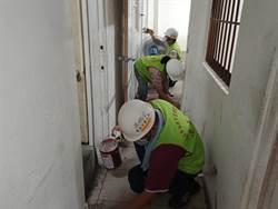 揮別陰暗破漏 台南市勞工局修繕仁德弱勢戶 亞航贊助材料費
