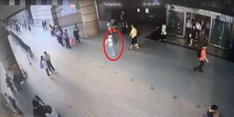 世貿佛具展失竊141萬「紅土沉香」  白T、牛仔褲男冷靜步出會場