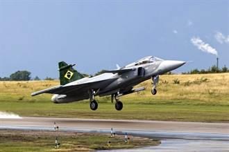 巴西空軍首次駕駛JAS-39 雙方達成技轉合約