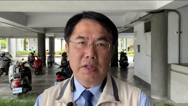 台南市長黃偉哲說,聽到吳敦義形容馬英九年華正盛,差點昏倒。(曹婷婷攝)