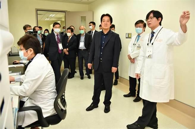 副总统赖清德出席医院医疗人工智能核心实验室与台湾人工智慧学校开学典礼。(赖佑维摄)