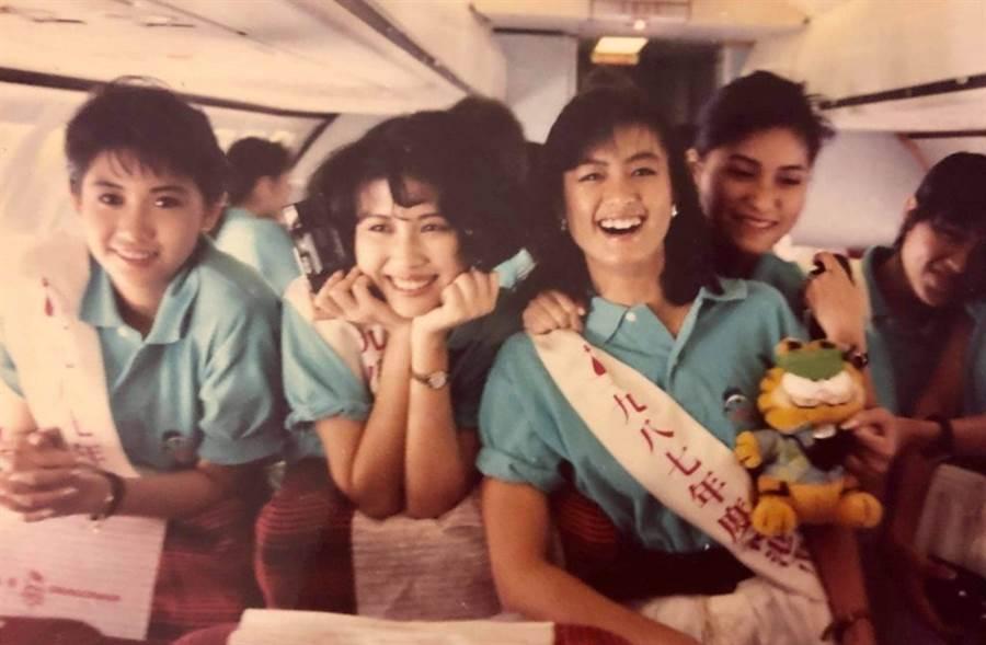左起邱淑貞、黃鶯和林穎嫺當年為同屆參選港姐佳麗。(圖/翻攝自林穎嫺臉書)
