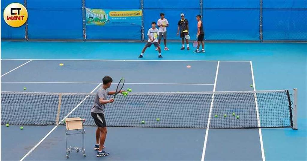 中華網協每年均舉辦各項網球競賽聚集各級網球菁英,也是培育網球好手的搖籃,卻屢屢傳出A國家經費的醜聞。(圖/馬景平攝)