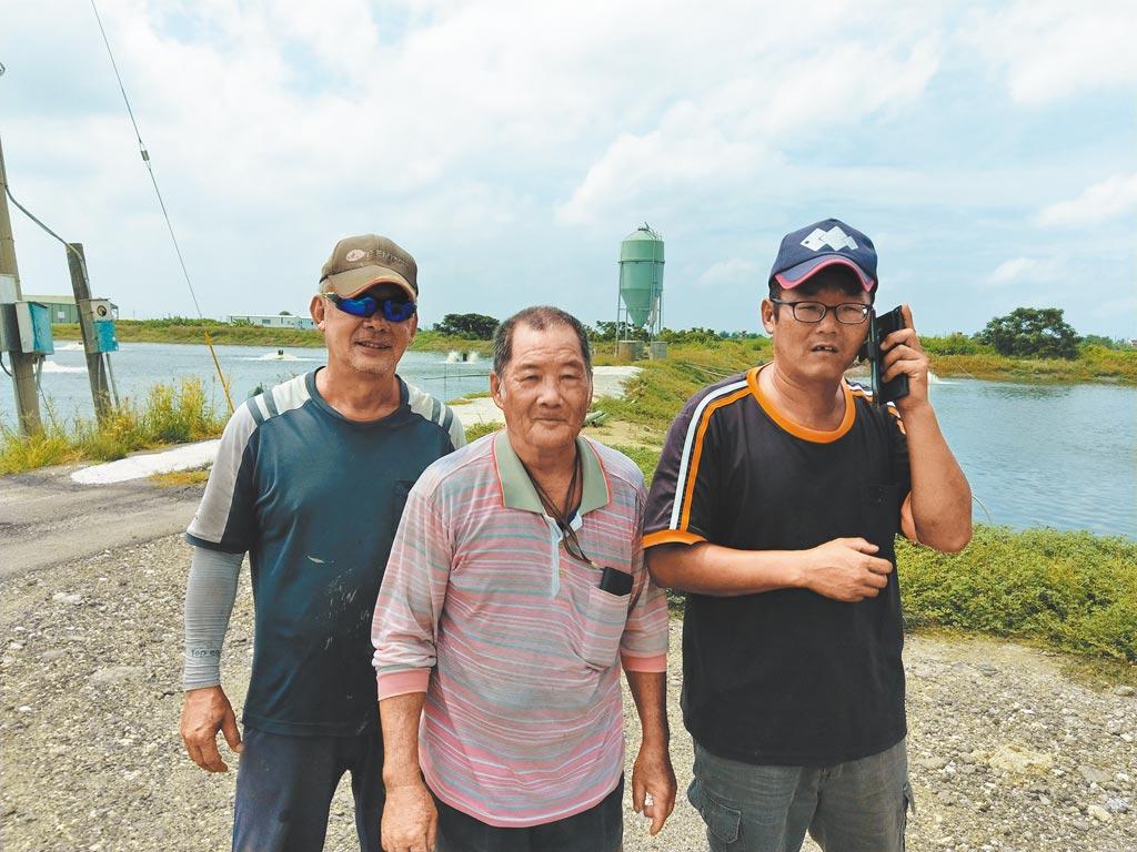 曾參與大陸虱目魚契作的學甲漁民。(記者宋秉忠攝)