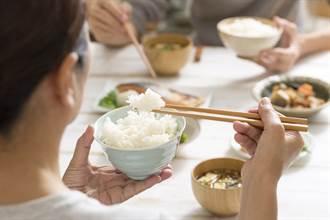 人妻煮佳餚討稱讚 見老公用餐習慣氣炸了