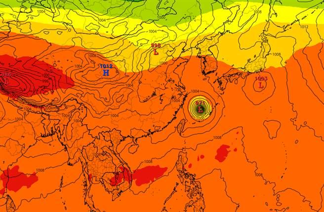 巴威引進西南風,迎風面中南部首當其衝。(翻攝美軍網站)