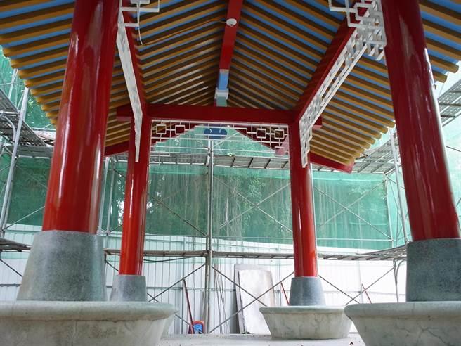 雲林縣北港運動公園涼亭,訴說日式「手水舍」歷史。(張朝欣攝)