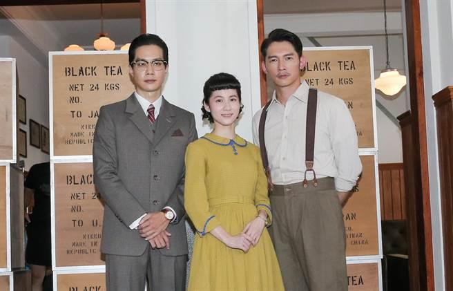 薛仕凌、連俞涵、溫昇豪主演《茶金》。(盧禕祺攝)