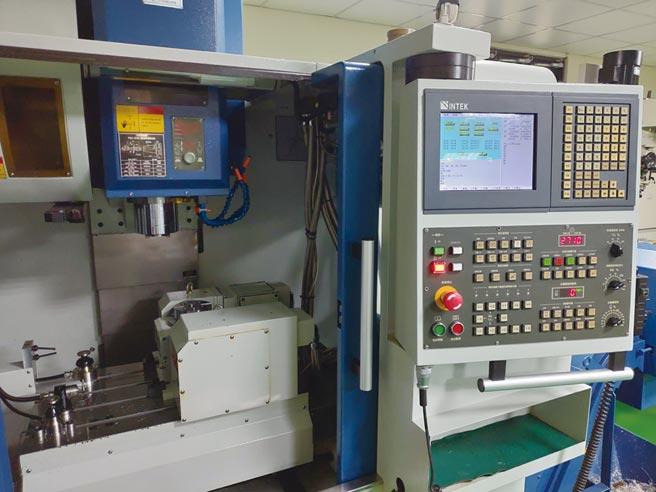 智研科技所研發製造的CNC控制器及設備,已成為簡約優良的國產CNC控制器代表。圖/智研提供