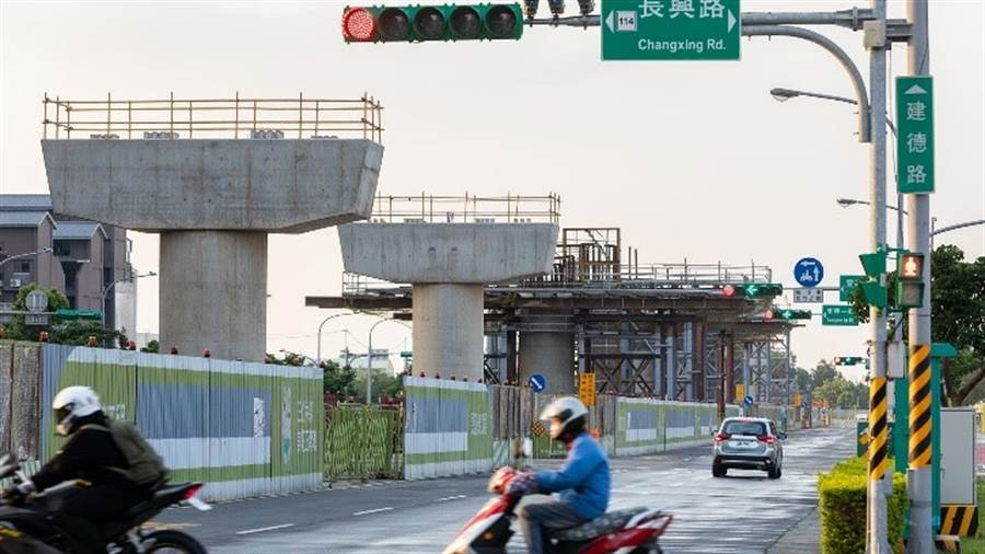 捷運綠線正在施工,對此區重大利多。/崴爺提供