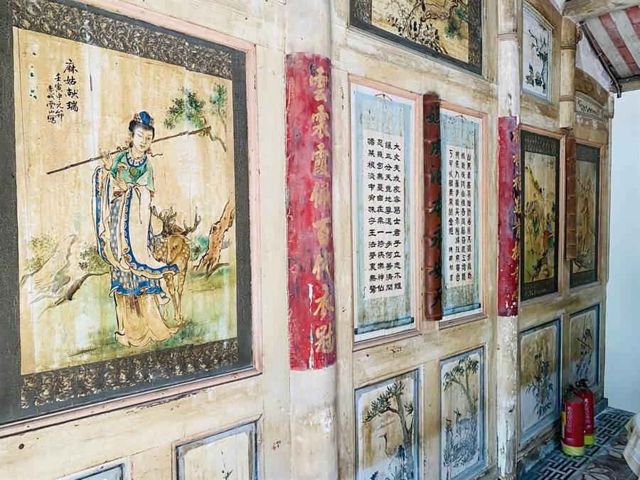 黃家古厝的牆上繪畫是國寶廟畫大師留下的真跡。(邱志偉服務處提供/林瑞益高雄傳真)