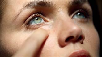 水腫人必學保養秘訣!一動作消除眼周浮腫有感