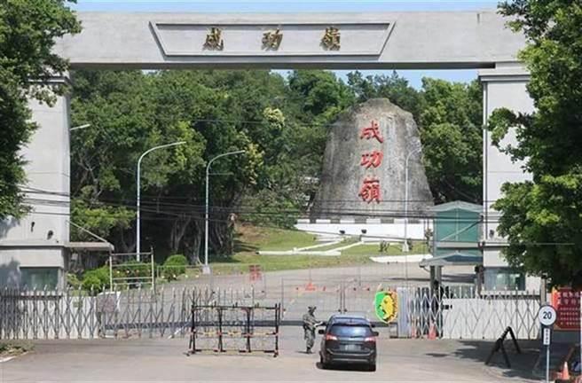 民進黨桃園市議員王浩宇曾是替代役,與阮經天同梯,一起在成功嶺受訓。(資料照片/陳淑芬台中傳真)