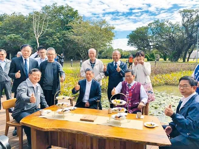 崙坪文化地景園區去年11月風光開園,卻在今年3月解約改由客家局自營。(本報資料照)