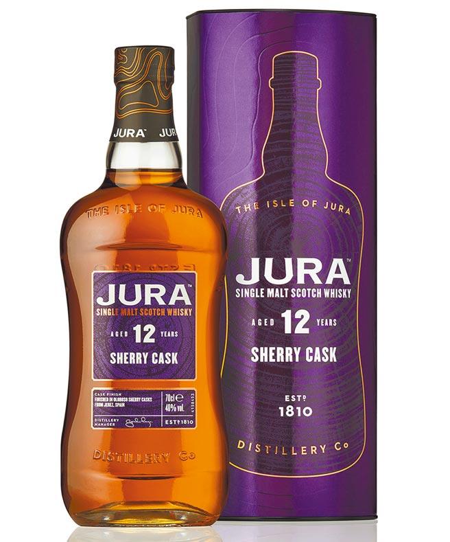 吉拉酒廠特別以台灣喜愛的雪莉馥郁甜美的平衡口感,釀造出「Jura吉拉雪莉12年單一麥芽蘇格蘭威士忌」。建議售價1,350元。圖/業者提供