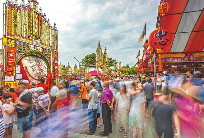 新竹縣新埔褒忠義民廟採用「少牢之禮」的神豬獻祭,演變成神豬比賽,迄今已有195年歷史。(羅浚濱攝)