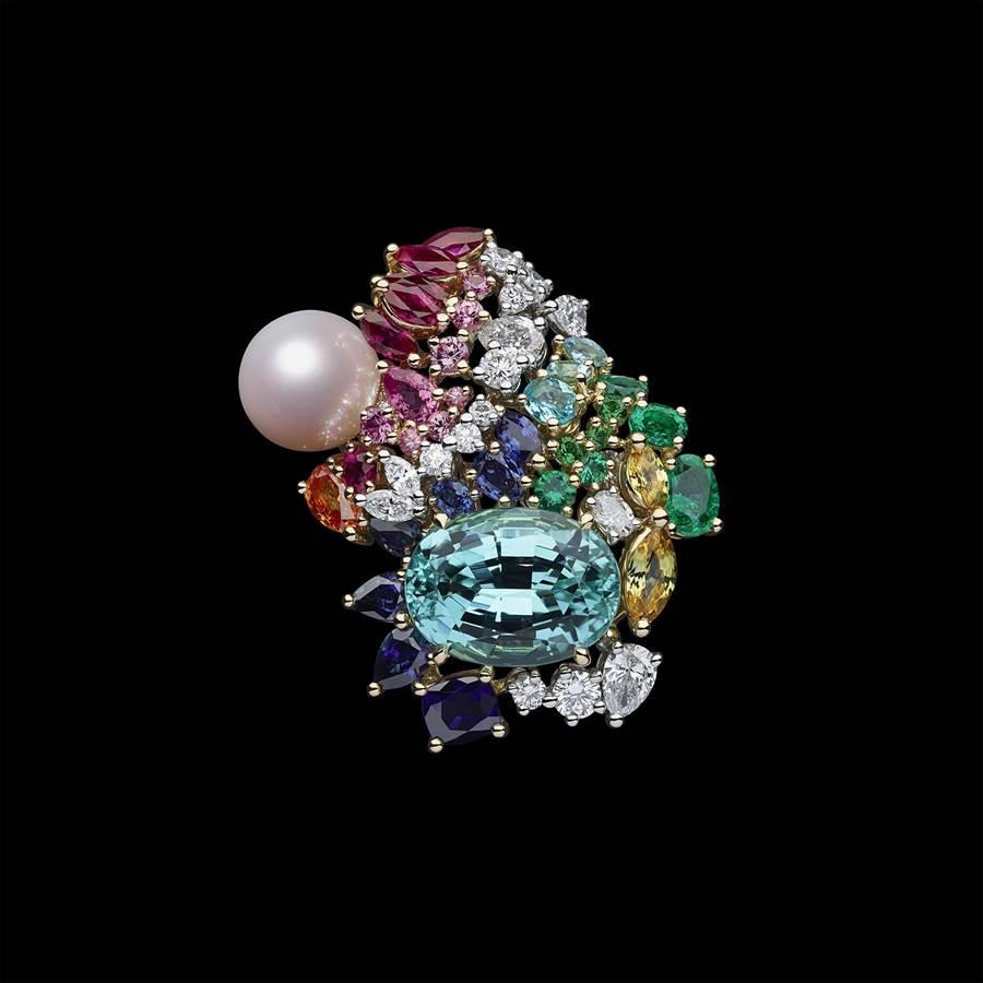 Dior「Tie & Dior」粉紅珍珠天藍色碧璽戒指,約1250萬元。(Dior提供)