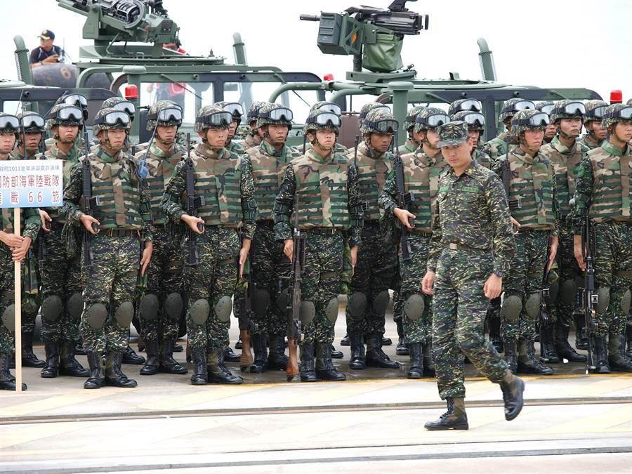 服兵役期間,經常能吃到奇葩料理,成為台灣男性的共同回憶(示意圖/達志影像)