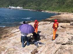 龍洞再傳釣客落海 救起送澳底保健站急救