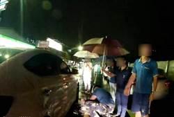 大雨中「浪浪」瑟縮卡車底   暖警機智救出撿回一命