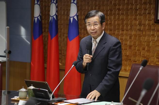 教育部長潘文忠今天在部務會報中宣布新的人事令。(教育部提供/林志成台北傳真)
