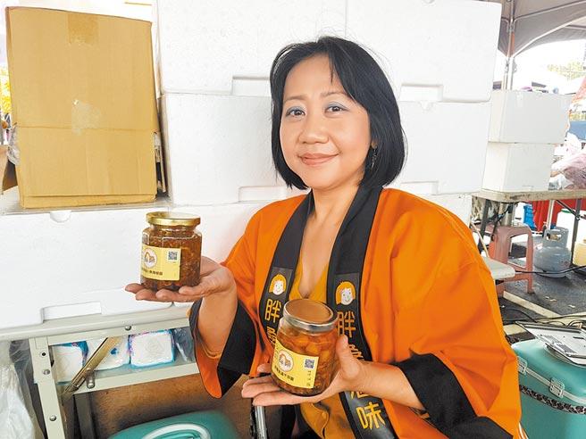 笑容甜美、超有日本味的熟女龐淑娟,是台中市的社區大學日文老師,教日文16年,學生從18歲到60多歲都有,都跟她如朋友般互動,稱呼她「龐桑」。(張妍溱攝)