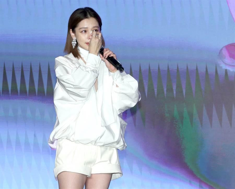 徐若瑄昔日發新曲獲老公特地錄影打氣,感動淚崩。(本報系資料照)
