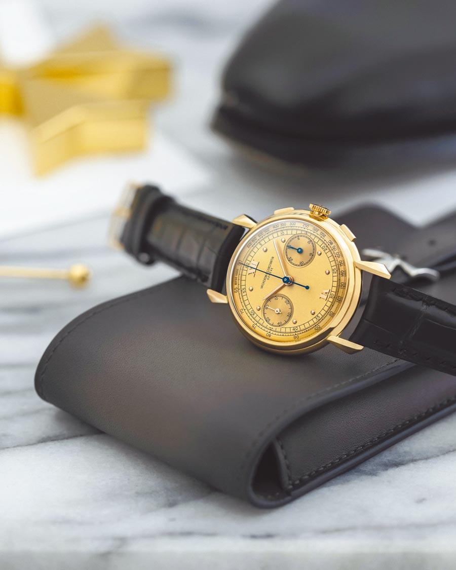 江詩丹頓認證修復的骨董表登台展售,1942年18K粉紅金30分鐘計時男表,未來增值空間可期,138萬元。(Vacheron Constantin提供)