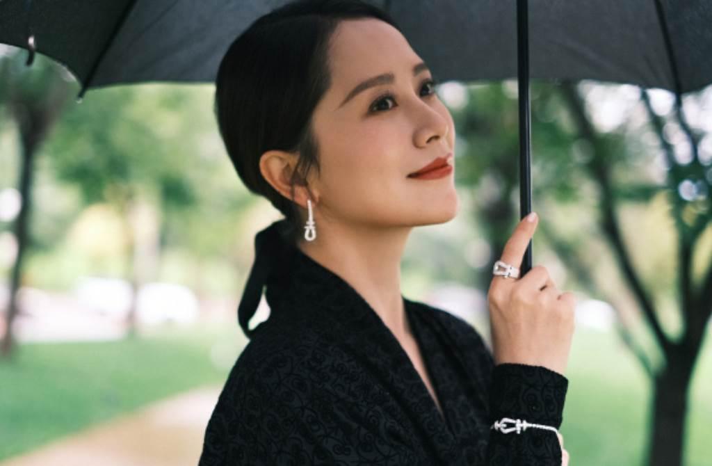 大陸女星海清年過40依然擁有姣好身材。(圖/摘自微博@海清工作室)