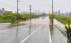 高雄19處淹水 急設應變中心