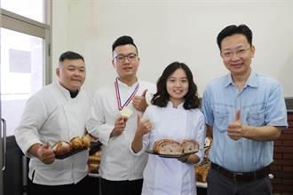 弘光科大3學生自製發酵種  奪易牙節麵包競賽3金