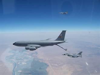 美國挺台灣 我F16赴美洛克基地訓練空中加油畫面首曝光