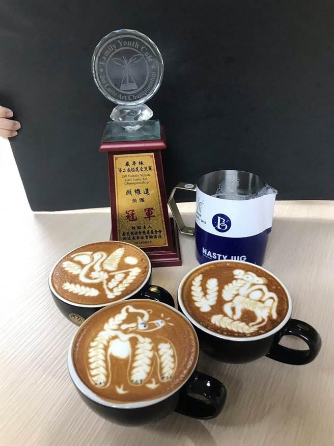 高餐大附中學生顏維進參加「飛夢林咖啡拉花競技賽」,連續兩年獲得冠軍。(高餐大附中提供/柯宗緯高雄傳真)