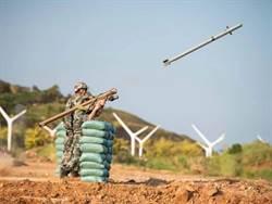 解放軍東部戰區野外駐訓 新裝備首次實彈演練