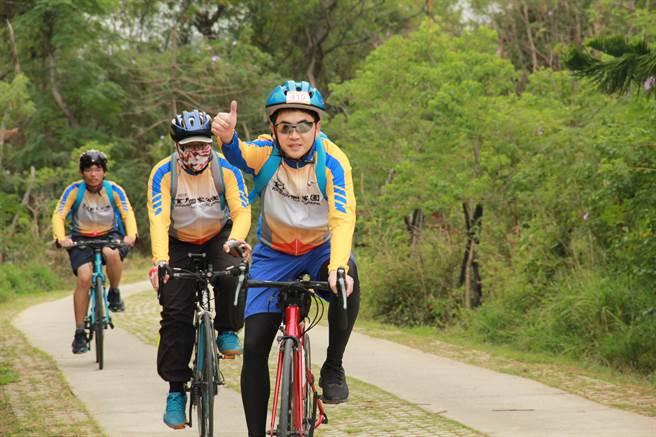 完騎者可參加抽獎活動,有機會拿到彩品KHS單車1輛。(金管處提供)